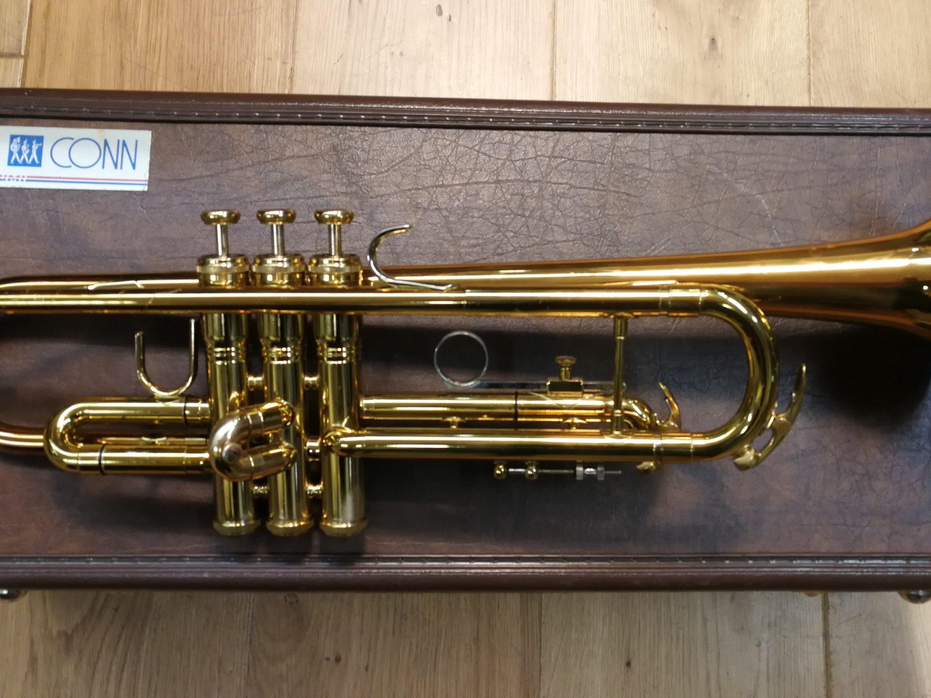 B Trompete Conn 1050B